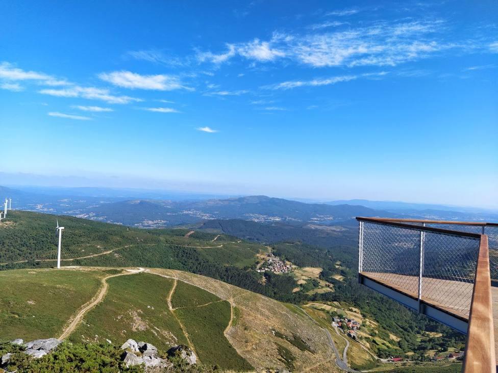 Las vistas que ofrece el Mirador da Muralla, en Lousame (A Coruña) son espectaculares