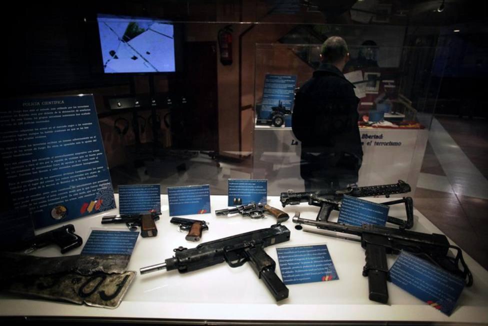 Imagen de archivo de armas incautadas a ETA en diferentes operaciones policiales