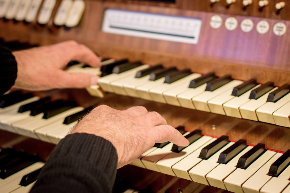 ctv-7mh-organ-3132290 1920