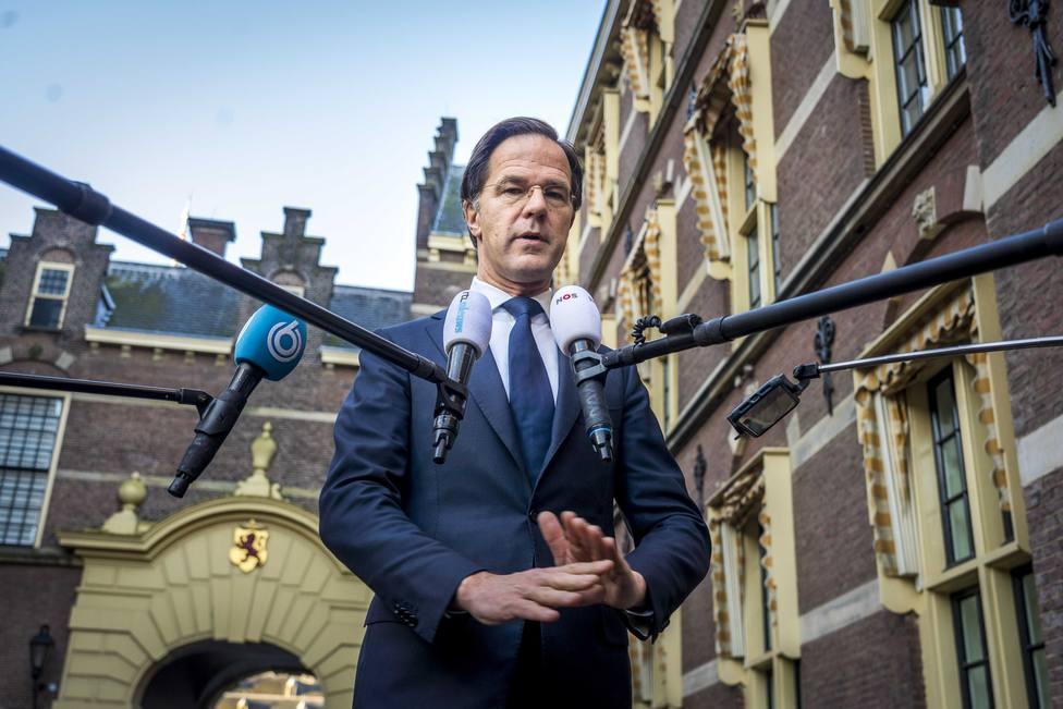 Países Bajos relaja sus restricciones, pero mantiene el toque de queda