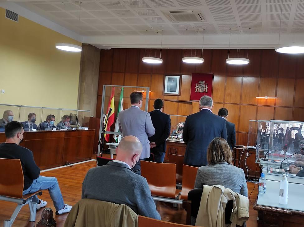 Los cuatro guardias civiles durante su declaración en la fase pericial