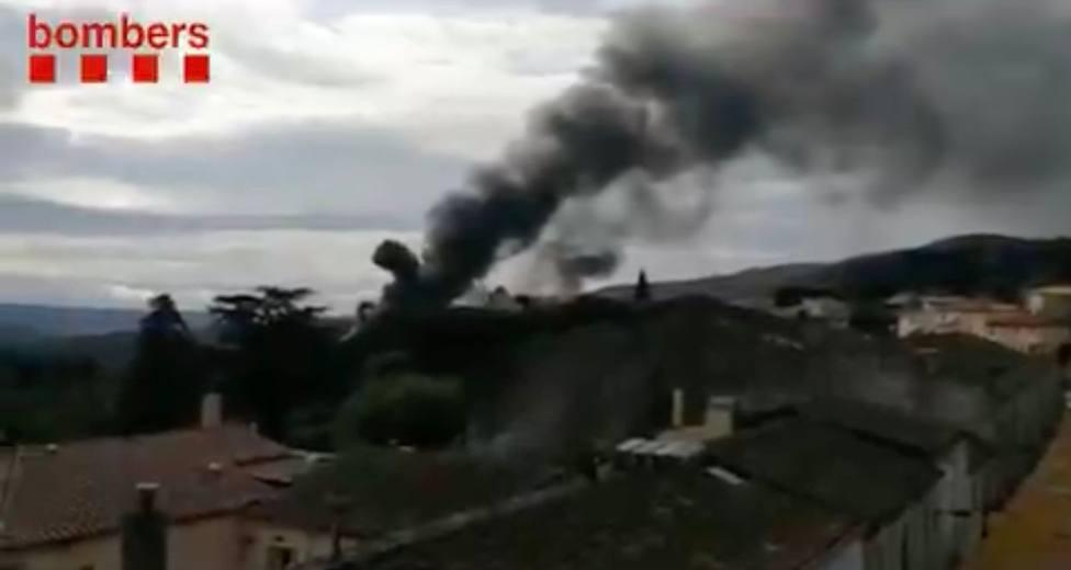 El incendio de Agullana quema completamente una nave industrial