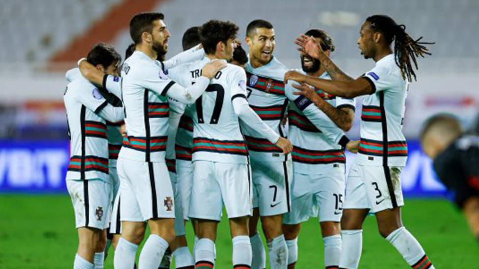 Los jugadores de Portugal, durante un encuentro