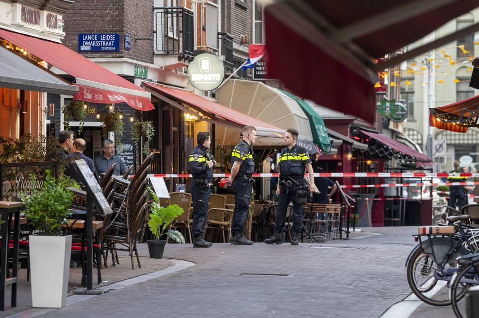 Muere el periodista Peter R. de Vries tras ser tiroteado la semana pasada en Ámsterdam