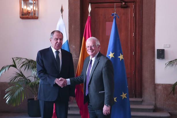 El PP exige que Borrell explique al Congreso el pacto con Rusia para frenar la difusión de noticias falsas