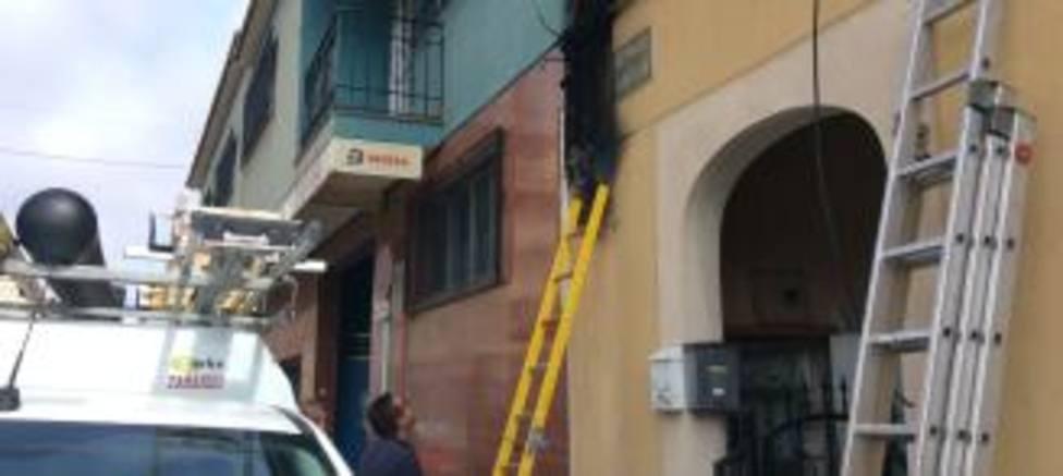 Un incendio en cuadro eléctrico obliga a confinar a dos vecinas en su casa en Dénia