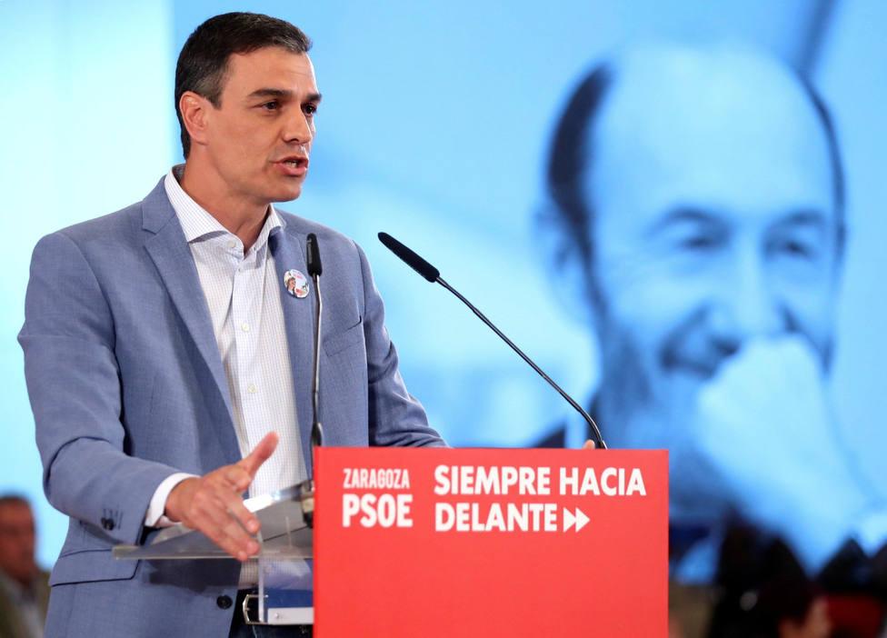 Sánchez lucha ante el desinfle de VOX contra la desmovilización el 26-M