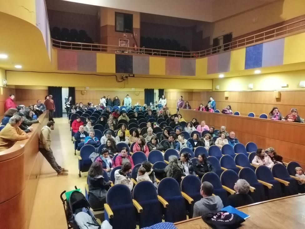 Participantes en la asemblea de la constitución de la plataforma En Cedeira, pediatra xa! - FOTO: Cedida