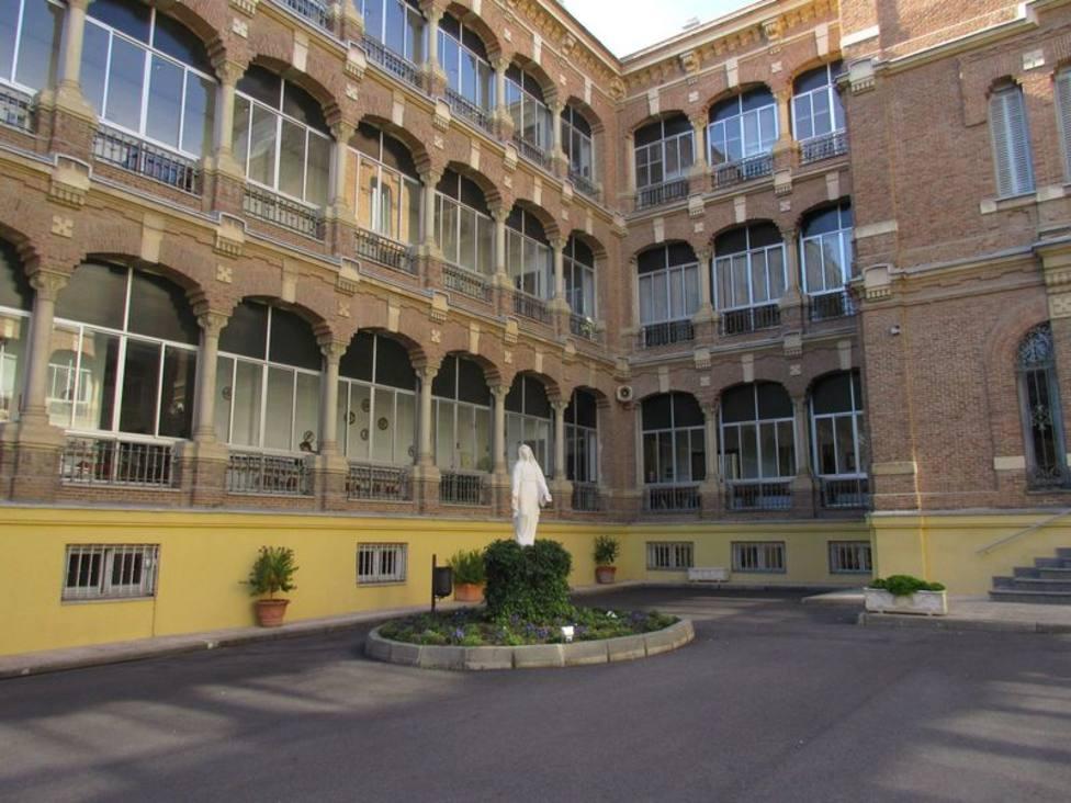 Coronavirus | Una de las residencias al límite en Madrid pide a los familiares llevarse a los asintomáticos