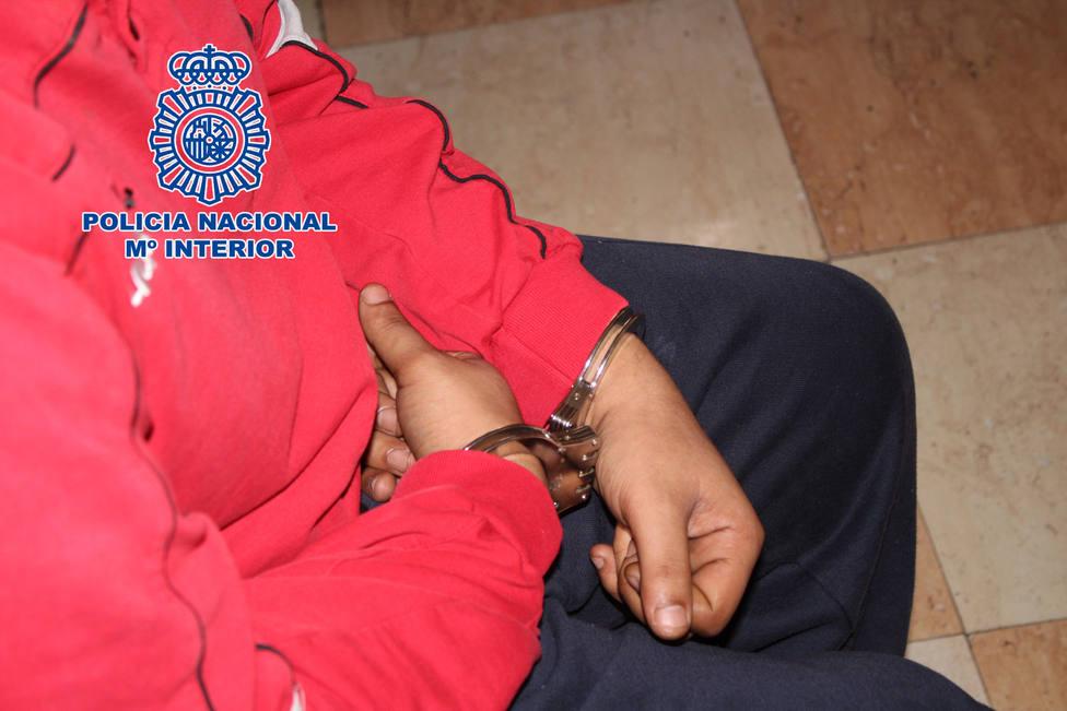 Detenido por mofarse de las lesiones graves de un policía embestido por un narcotraficante en Algeciras