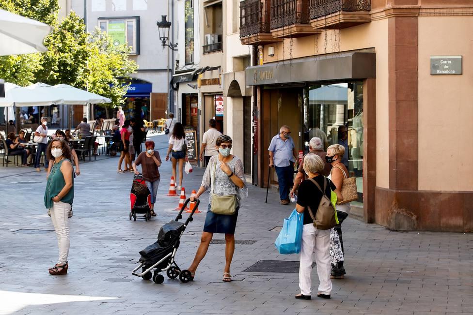 Cataluña aprueba multas de 100 euros por ir sin mascarilla o mal puesta