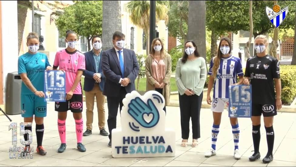 El Sporting presenta sus equipaciones y el patrocinador oficial