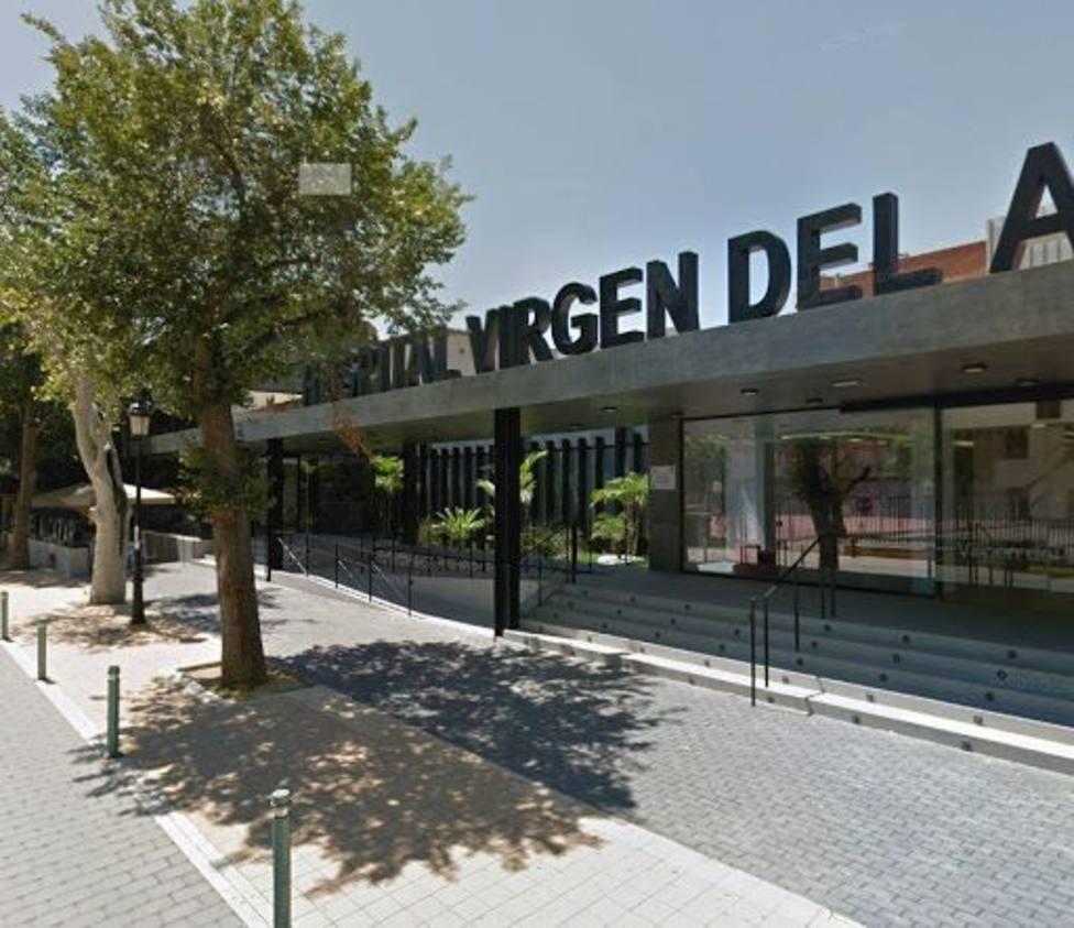 El brote en el hospital Virgen Alcázar de Lorca se eleva a 61 personas