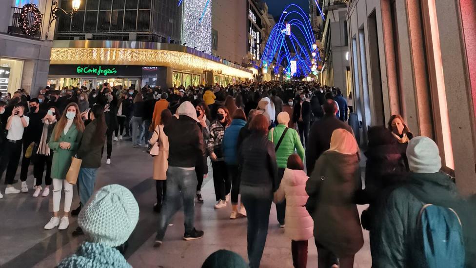 El centro de Madrid, repleto de gente pese a la pandemia
