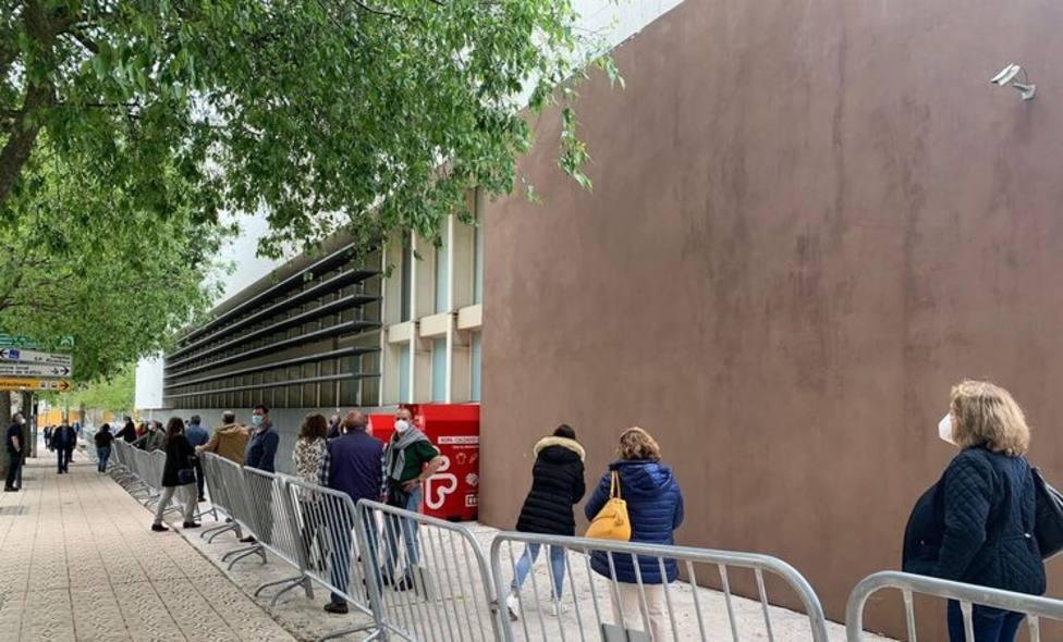 Vacunación masiva en el Palacio de Congresos de Cáceres. Foto: Europa Press