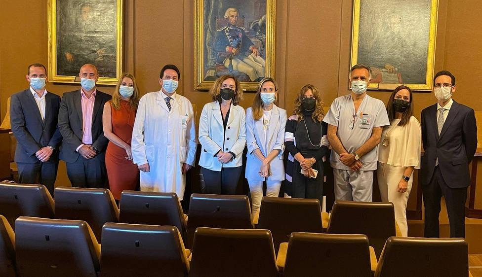 Responsables de Grupo Ribera y del Hospital Juan Cardona - FOTO: Cedida