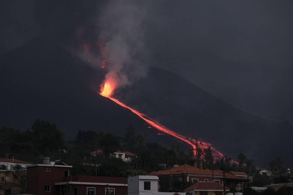 ¿Qué significa que el volcán de La Palma haya entrado en fase efusiva?