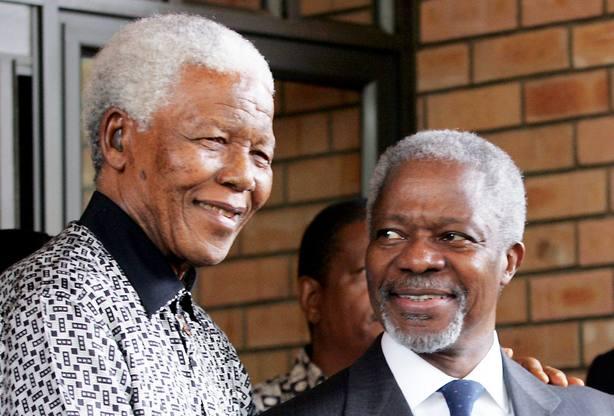 Kofi Anan junto a Nelson Mandela