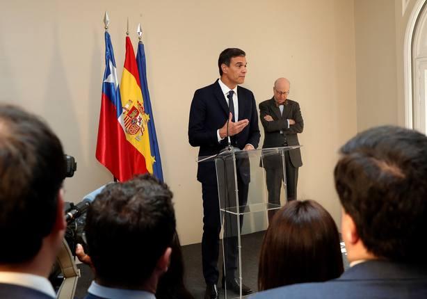 Sánchez mantiene un encuentro con la colectividad española que reside en Chile
