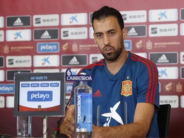 Sergio Busquets, en rueda de prensa (@sefutbol)
