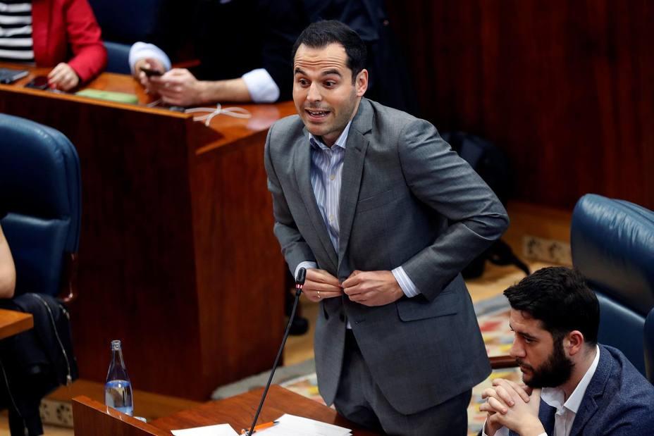 Aguado acusa al PSOE andaluz de gastar el dinero en prostitutas y cocaína