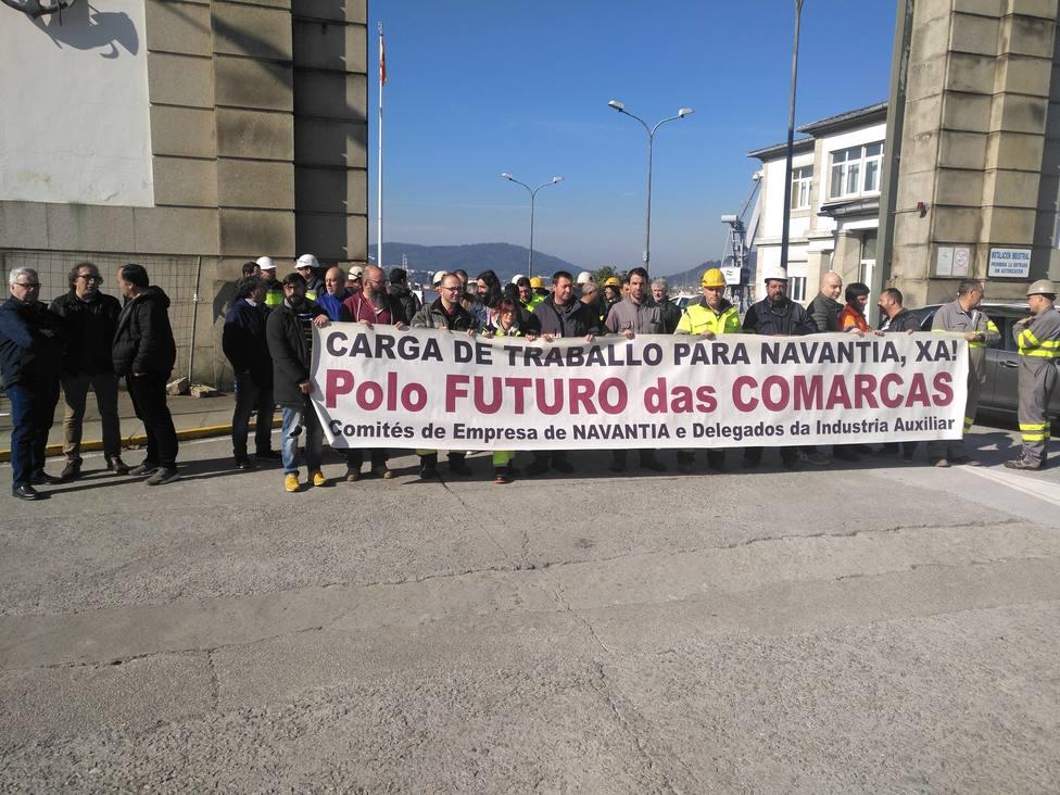 Concentración del comité y delegados de la industria auxiliar a las puertas de Navantia Ferrol