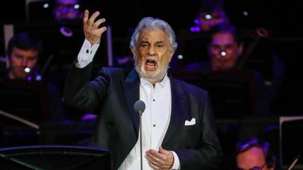 Baño de masas para Plácido Domingo ante el público de Milán, que le ovacionó durante casi 20 minutos