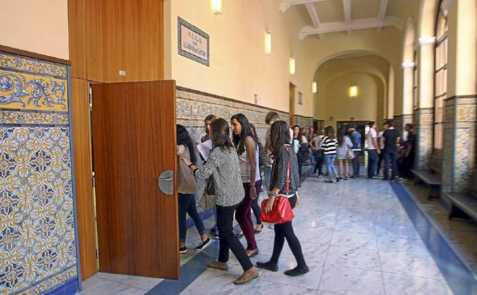 Estudiantes en la Facultad de Derecho de la Universidad de Valladolid