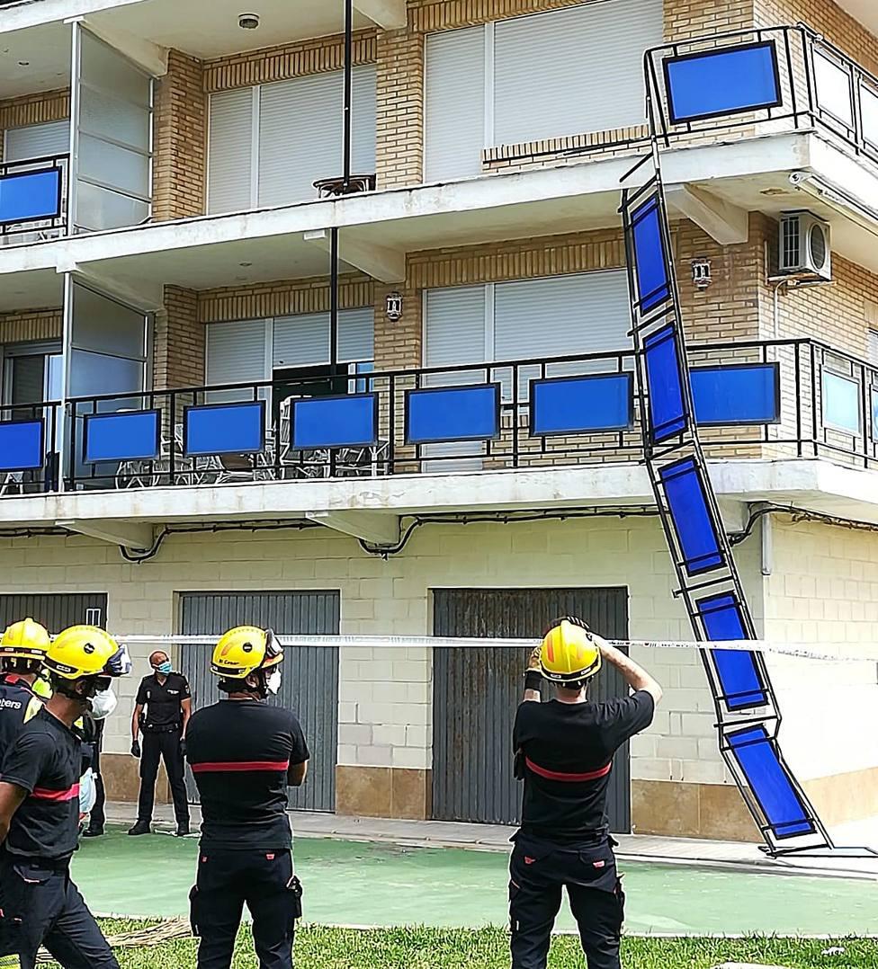 En Dénia un hombre muere al caer del balcón de su casa cuando intentaba coger las llaves