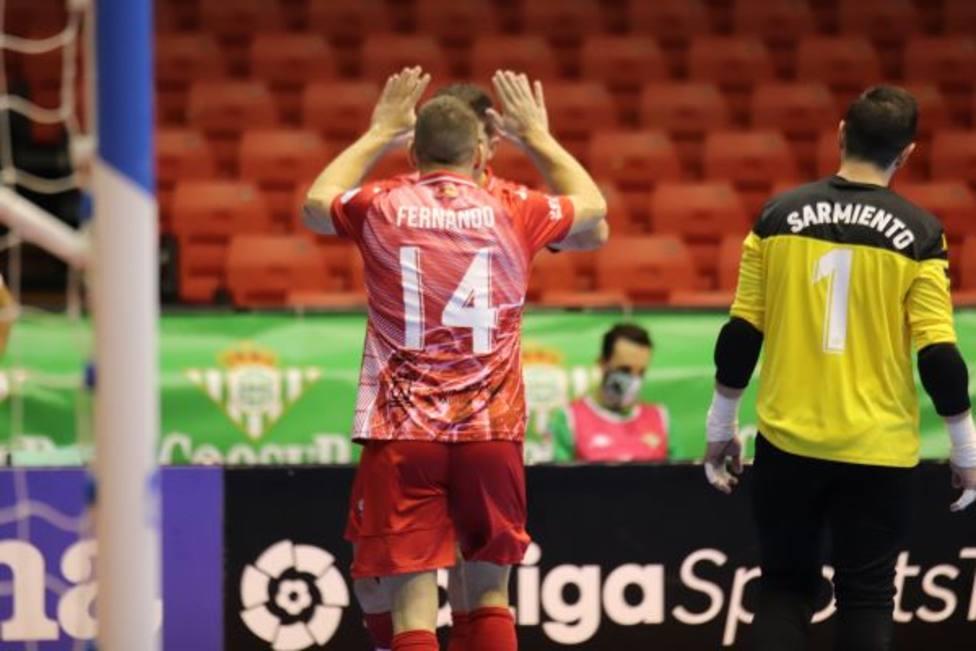 Fernando Aguilera marcó el tercer gol de ElPozo en Sevilla