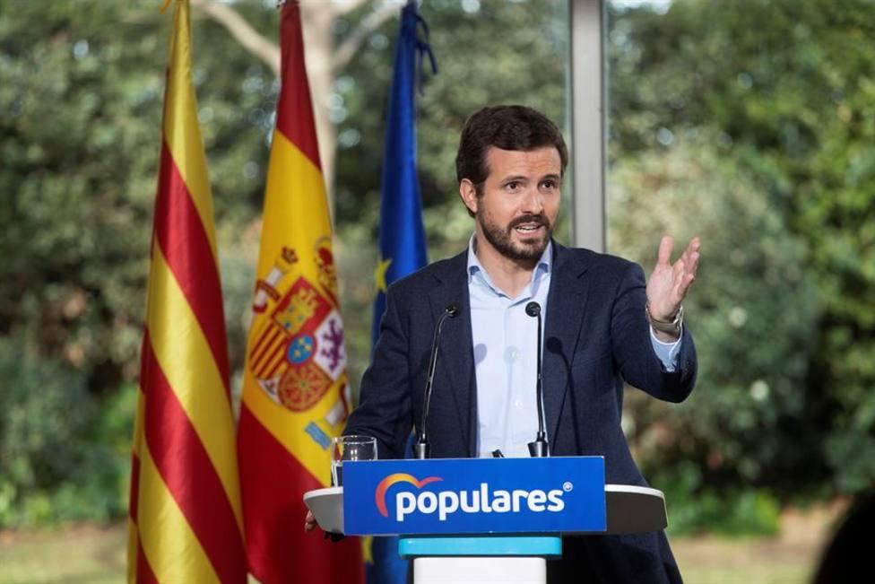 Casado denuncia que Sánchez e Illa estén de campaña, negando la evidencia y sin poner medidas contra el Covi