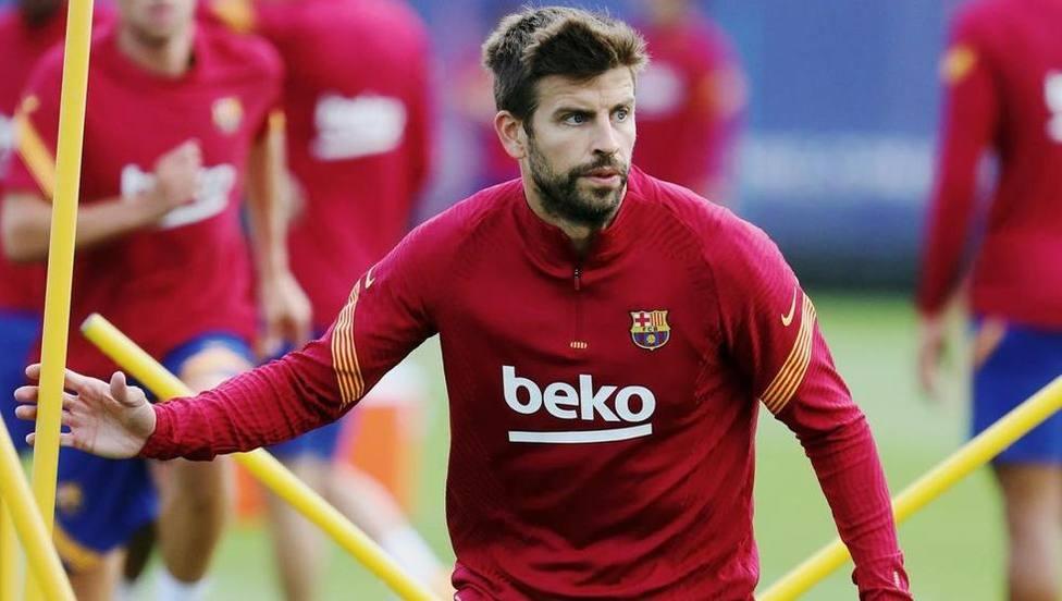 Piqué entra en la convocatoria oficial del Barça para el partido contra el PSG