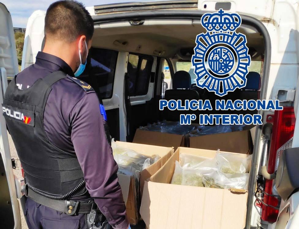 Arrestadas tres personas durante un transporte de marihuana en Almería