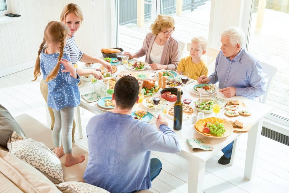 Las reuniones familiares y de amigos en los domicilios son las más peligrosas