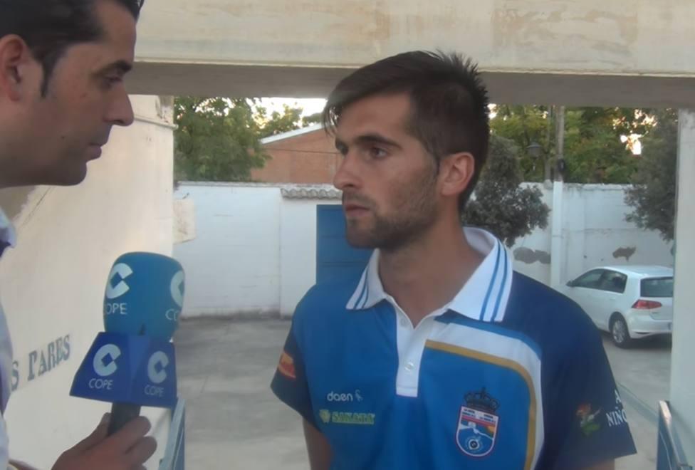 Fran Carnicer, ex jugador del Lorca FC, en la UCI por una neumonía