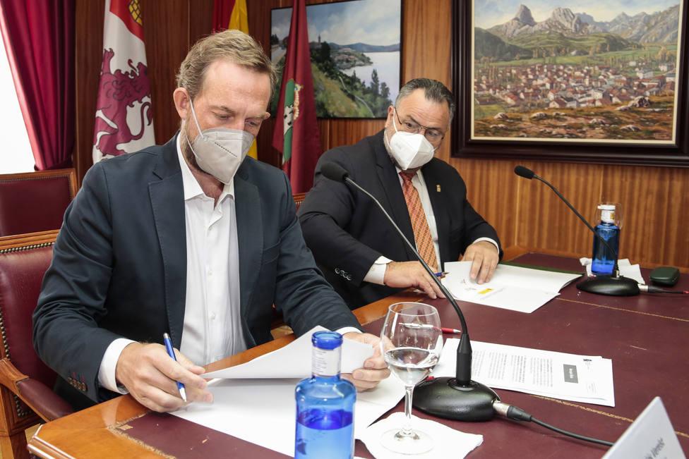 Firma del plan de sostenibilidad turística de Riaño (León)