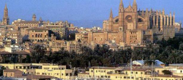 Palma vuelve a denominarse Palma sin el apellido de Mallorca. Fuente Wikipedia