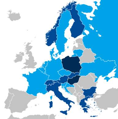 Parlamentos nacionales europeos con representantes de partidos de la derecha populista en 2018. En azul oscuro
