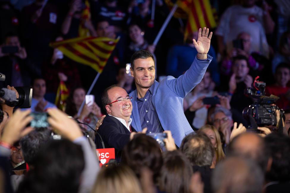 Sánchez cierra la campaña en Barcelona presentándose como la esperanza frente a independentistas y franquistas