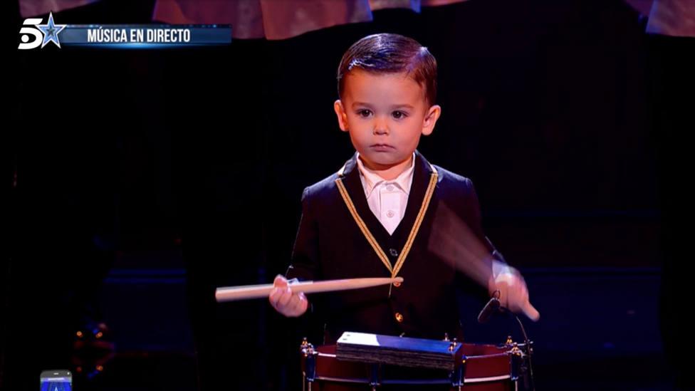 Hugo, el niño del tambor, logra el pase de oro en Got talent dejando otra vez boquiabiertos a todos