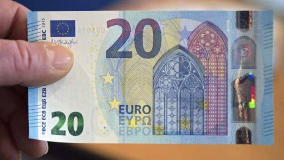 La historia de un vecino que encuentra un billete de 20 euros y el aviso de Abascal entre lo más leido en COPE