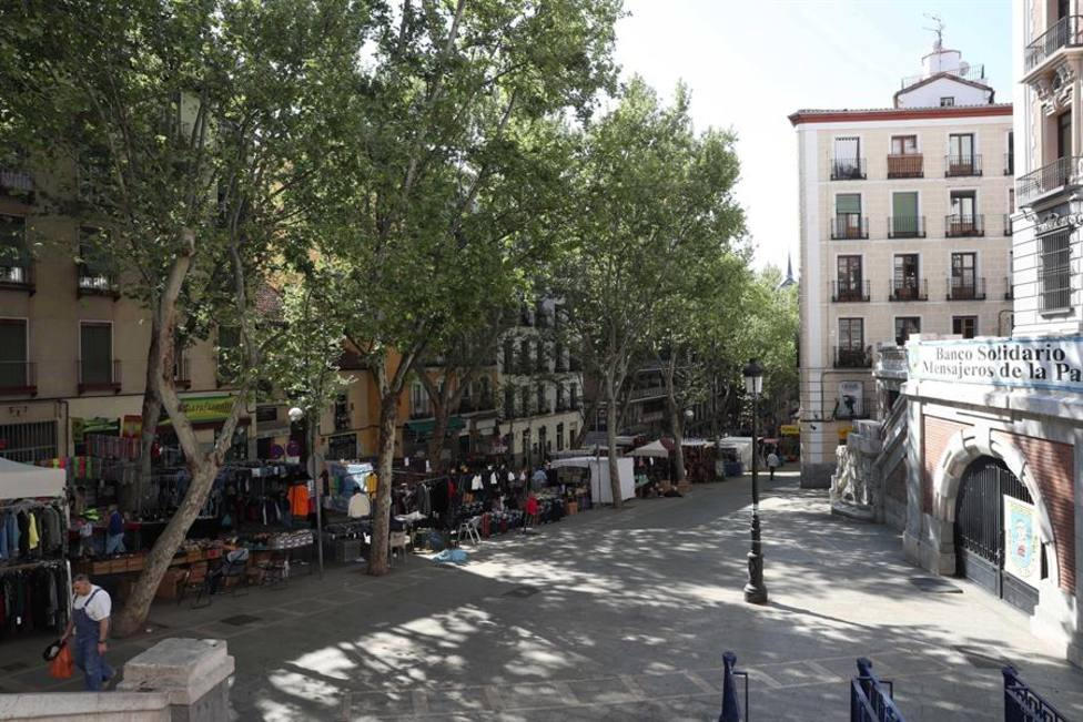 El Rastro de Madrid regresa este domingo con la mitad de puestos y aforo de 2.702 personas
