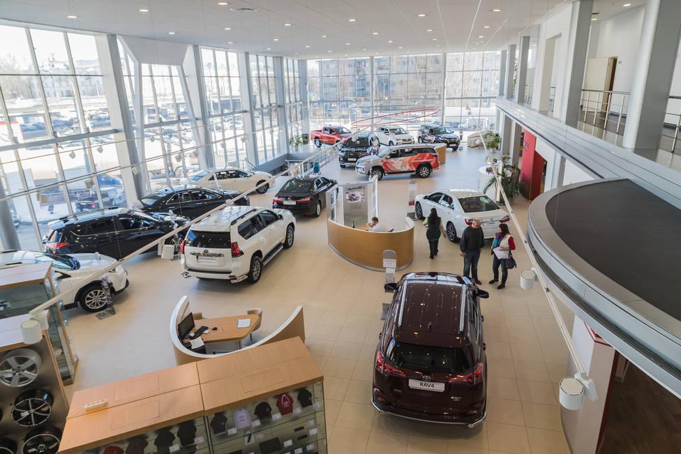 Las ventas de coches baja de nuevo en noviembre
