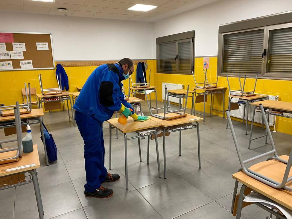 ctv-wdd-foto-preparacin-desinfeccin-aulas