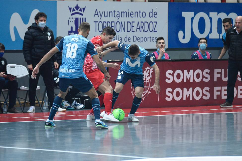 ElPozo Murcia Costa Cálida ofrece su mejor versión y doblega a inter Movistar (3-4)