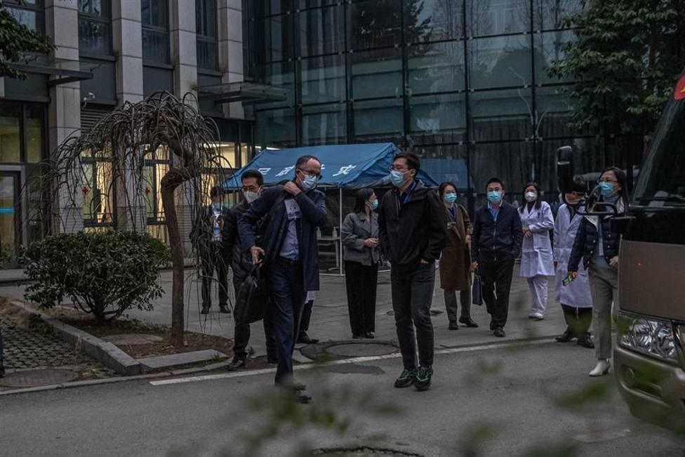 China permite a los expertos de la OMS visitar dos centros de control de enfermedades de Wuhan