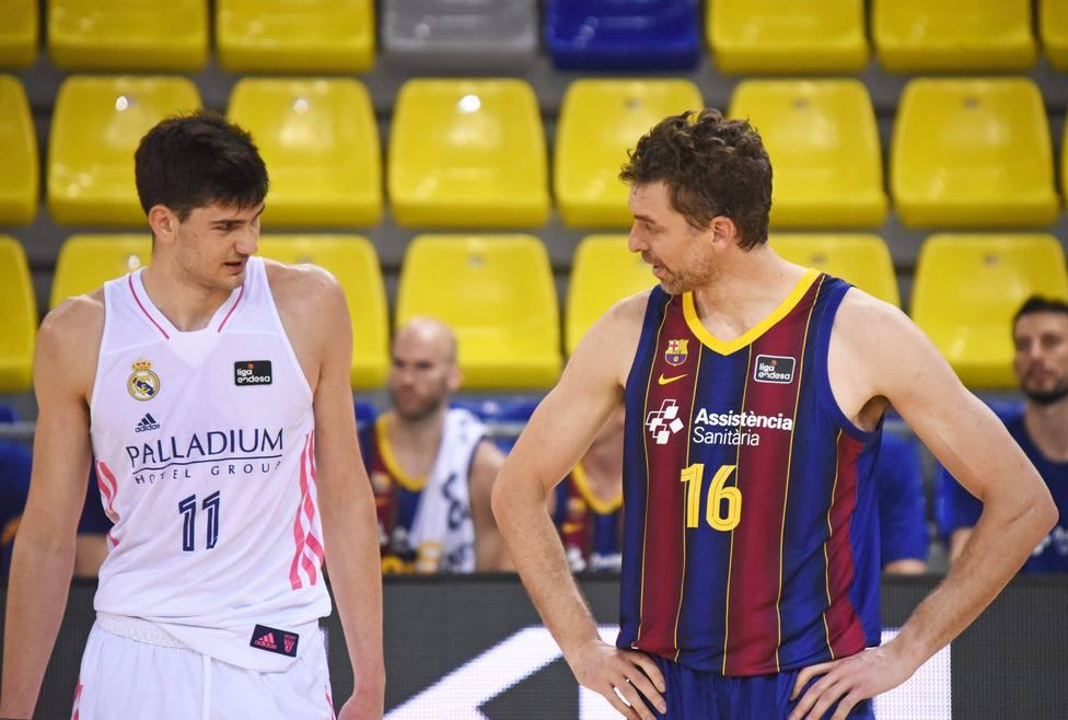 Tristan Vukcevic y Pau Gasol