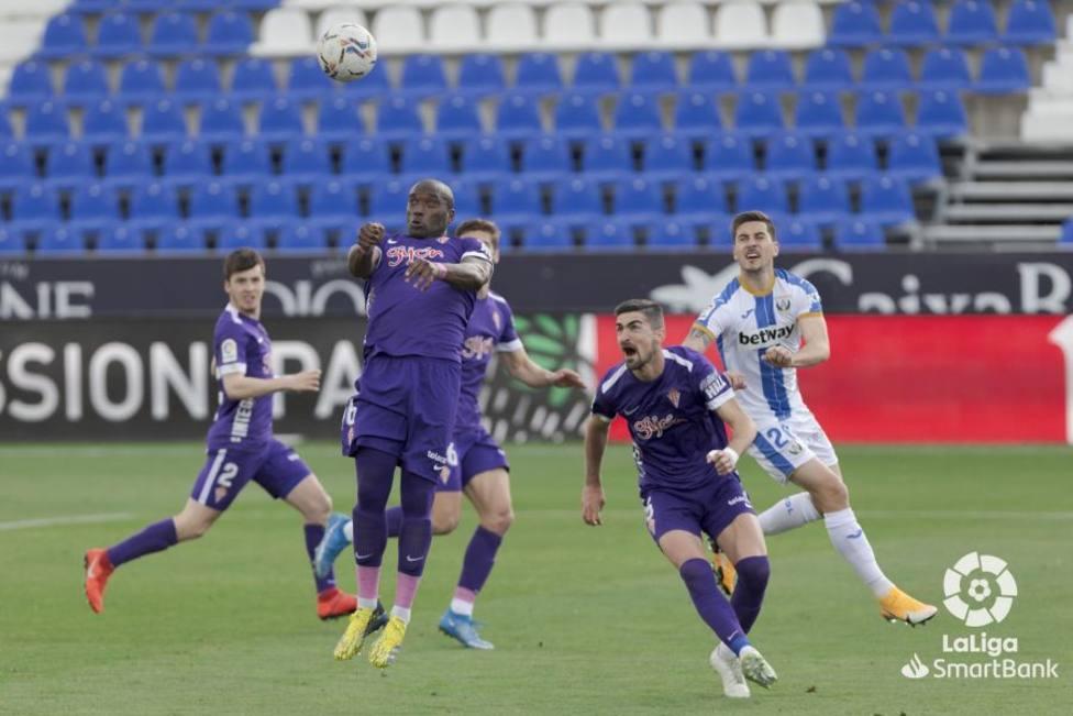 Borja López y Babin fueron claves en el empate del Sporting