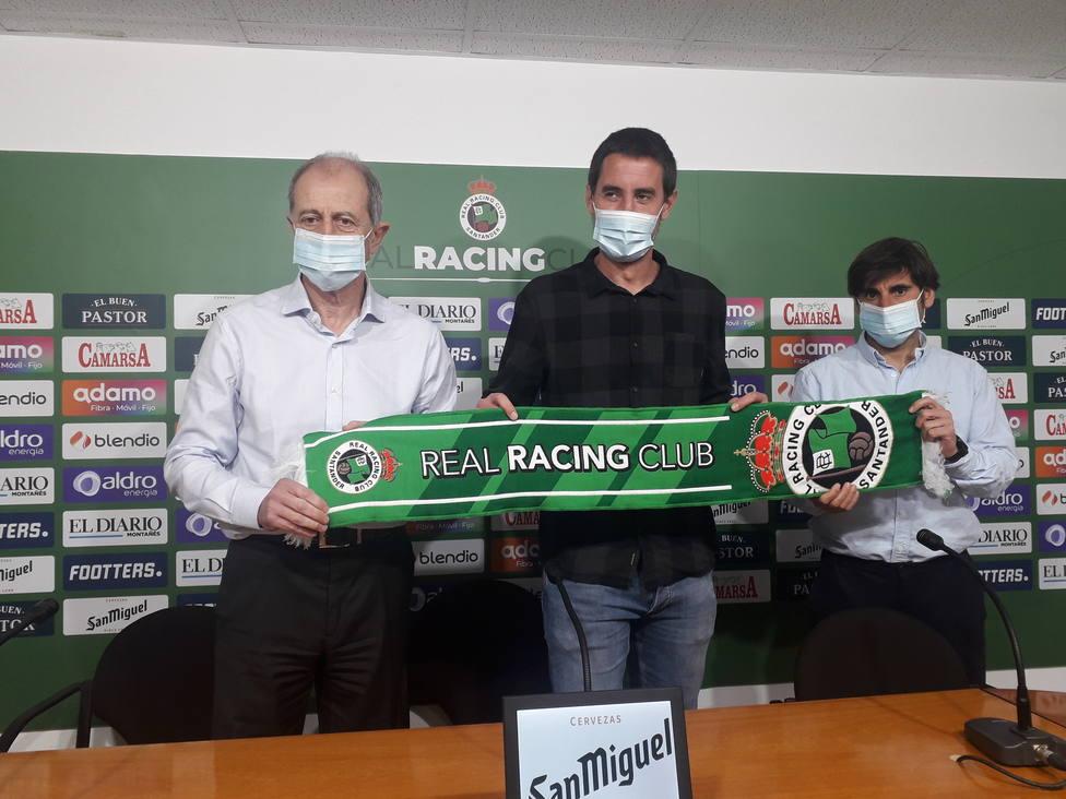 Amorrortu, Solabarrieta y Menéndez en la presentación del vasco como entrenador del Racing