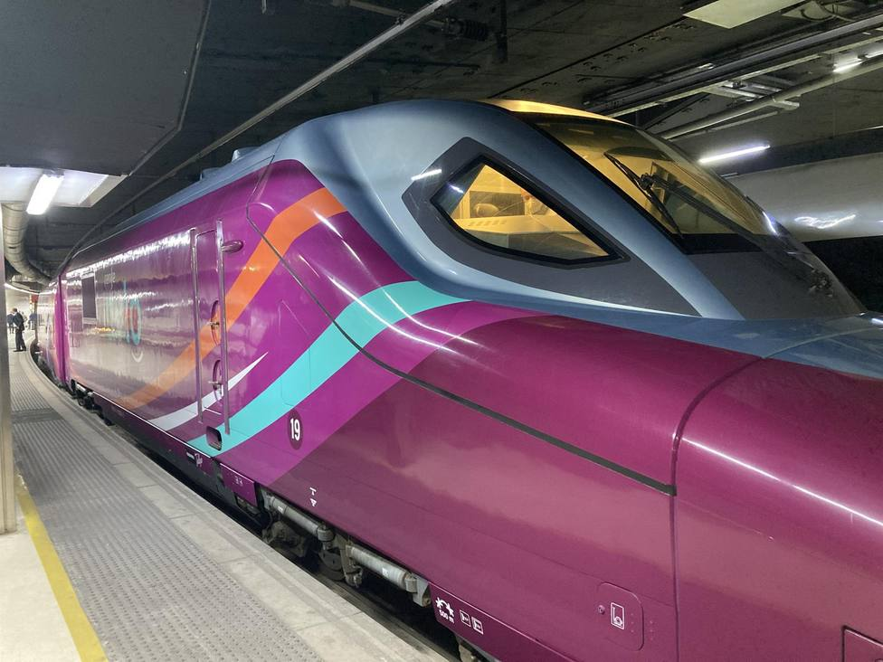 Tren AVLO en la estación de Sants de Barcelona - Europa Press